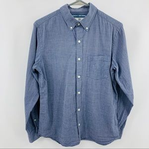 Old Navy The Classic Shirt Regular Fit Button Down